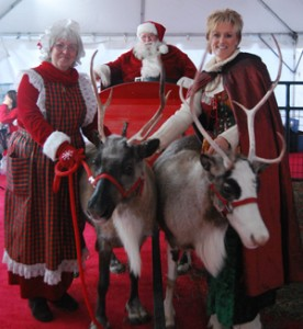 santa-elf-and-reindeer-at-santas-depot-2008